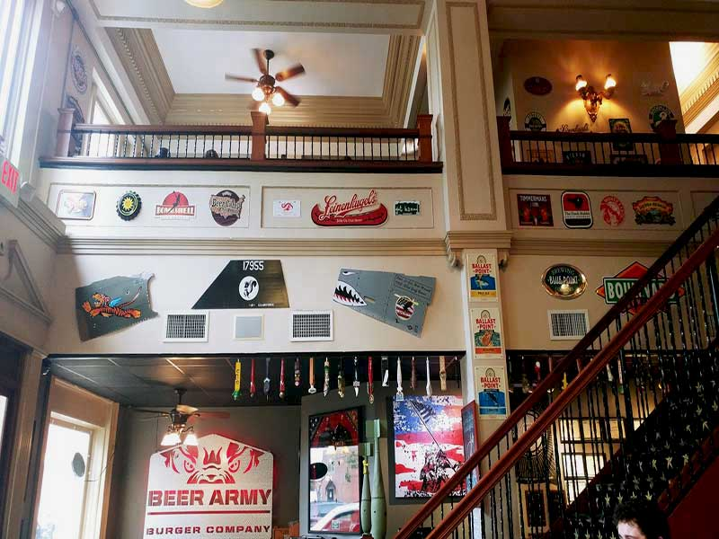 beer-army-burger-company-dining-area