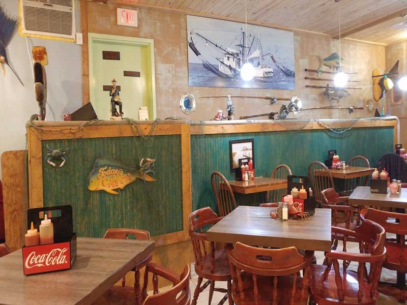 stingray-cafe-dining-area-image