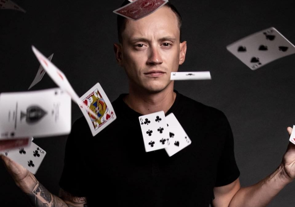Magician Bryan Sanders at Tap That!
